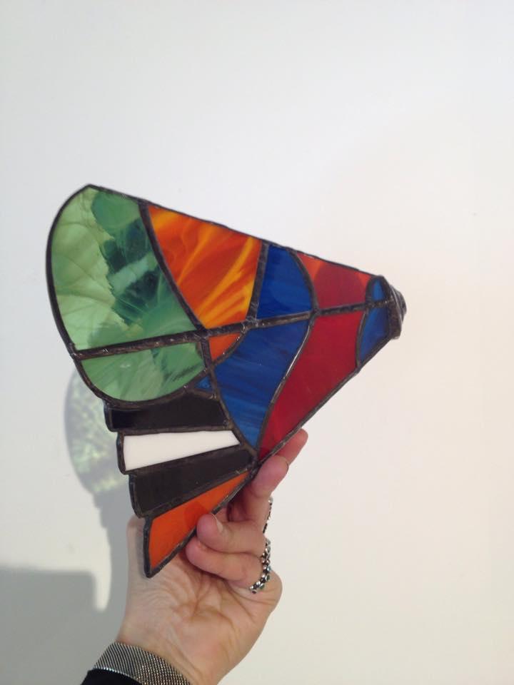 prachtig ontwerp van cursist tijdens de 2 en 3 D glas koperfolie techniek cursus gemaakt