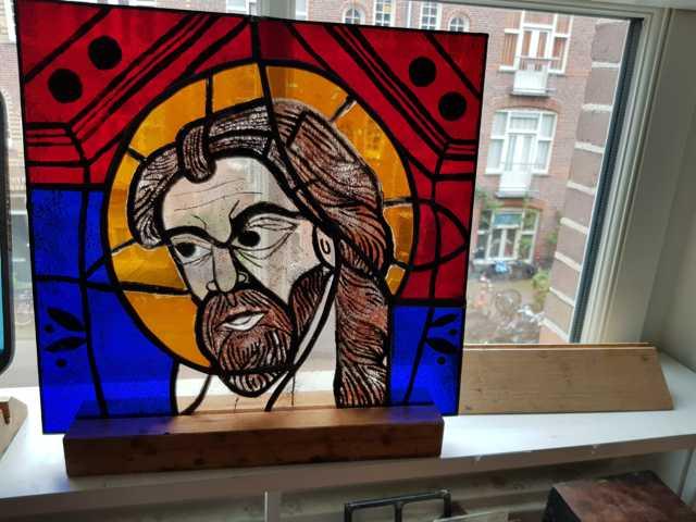 prachtig gebrandschilderd raam gemaakt met de tiffany techniek op de brandschilder cursus te Amsterdam