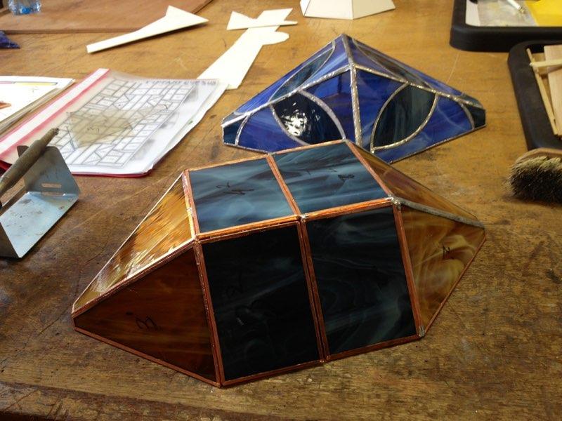 ontwerpen van cursiste tiffany 2 en 3 D glas cursus